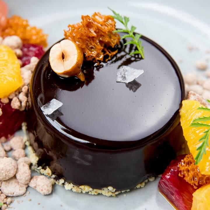 Dark chocolate and hazelnut praline crmeux